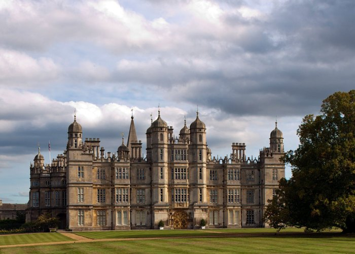 Things to do in Britain, visit a stately home