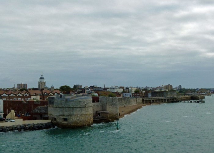 PORTSMOUTH CITY WALLS