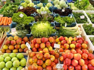 1024px-Vegetables_-_Viktualienmarkt_-_DSC08608