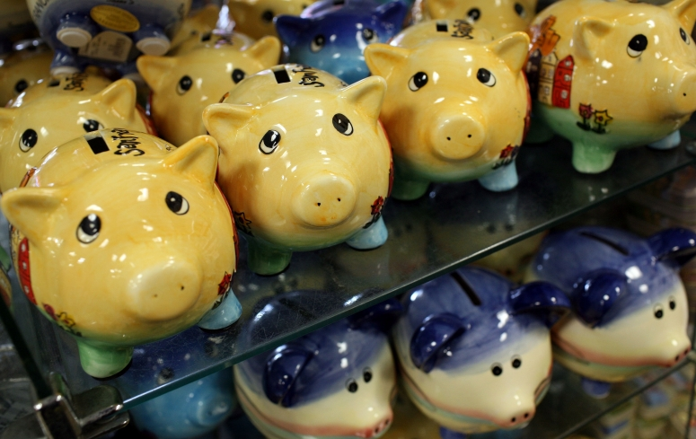 as-americans-save-more-piggy-banks-gain-popularity