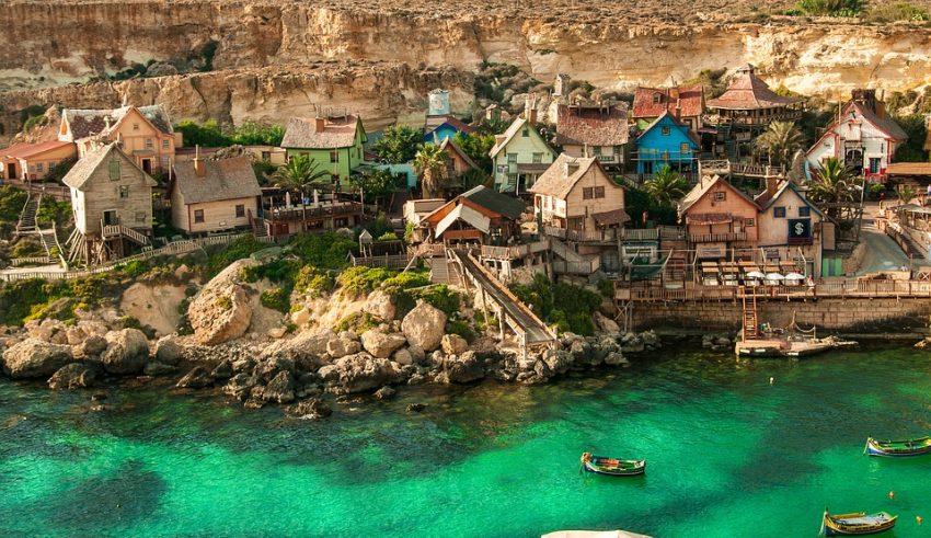 Malta Offers 19 DLT Scholarships in Bid to Push Blockchain Education