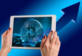 Bitcoin HODLING