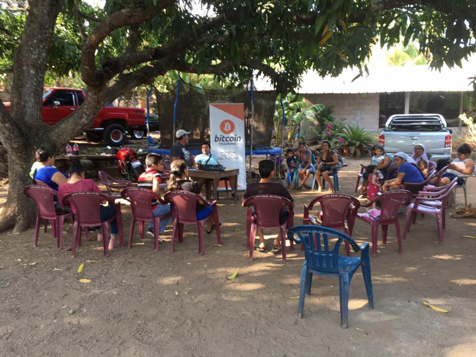 Bitcoin training classes in El Zonte, El Salvadore.