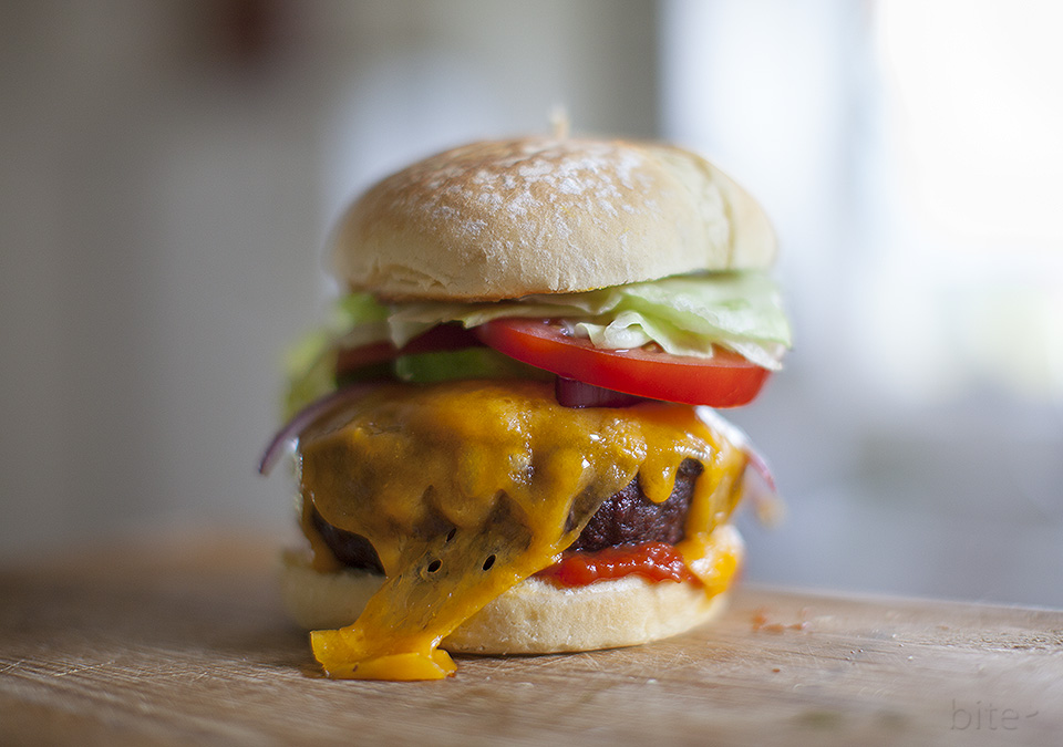 how to grill the perfect burger - bitebymichelle.com