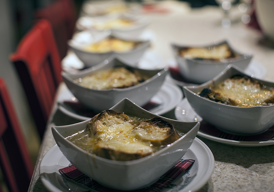 french onion soup au gratin l bitebymichelle.com