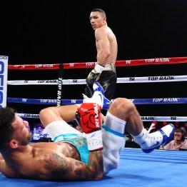 Teofimo_Lopez_vs_William_Silva_knockdown
