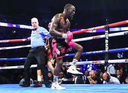 Terence_Crawford_vs_Jose_Benavidez_celebration