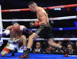 Egidijus_Kavaliauskas_vs_Roberto_Arriaza_knockdown