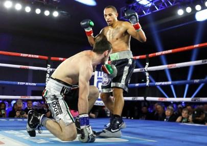 Rob_Brant_vs_Khasan_Baysangurov_knockdown
