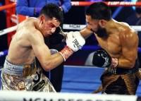 Miguel_Contreras_vs_Rolando_Vargas_action9
