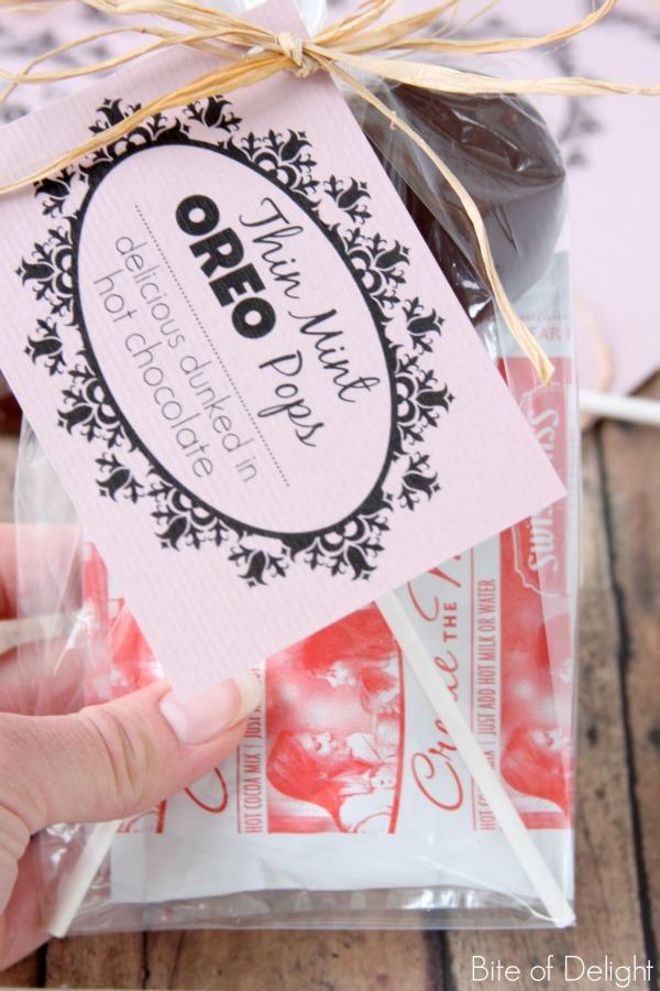 thin mint oreo pops | christmas treat | winter treat | neighbor gift