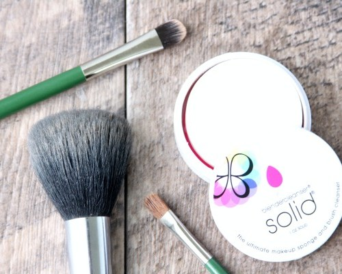 How To Wash Makeup Brushes   Stop breakouts from dirty brushes!   DIY Beauty Recipes