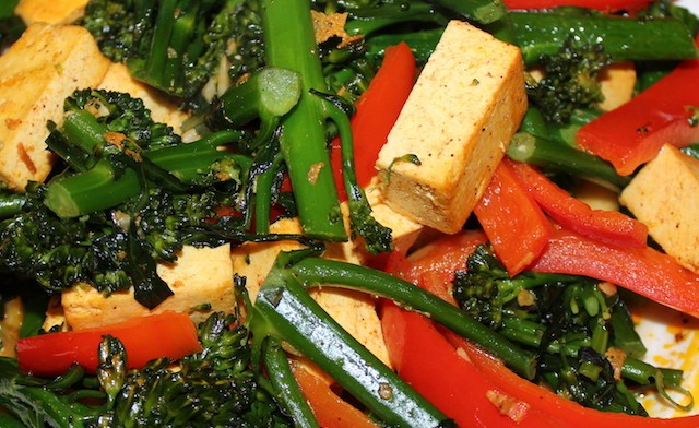 Tofu broccolette stir fry recipe. biteslife.com