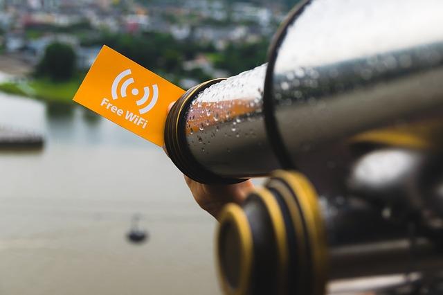 peligros wifi publicas conexion vpn consejos verano ciberseguridad online puertos usb riesgos seguridad malware ciberataque noticias bit life media bitlife