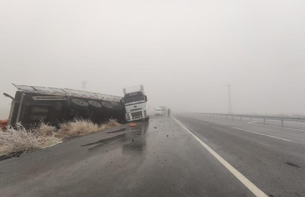 Bitlis-Güroymak karayolu yoğun sis ve buzlanmadan dolayı kapandı