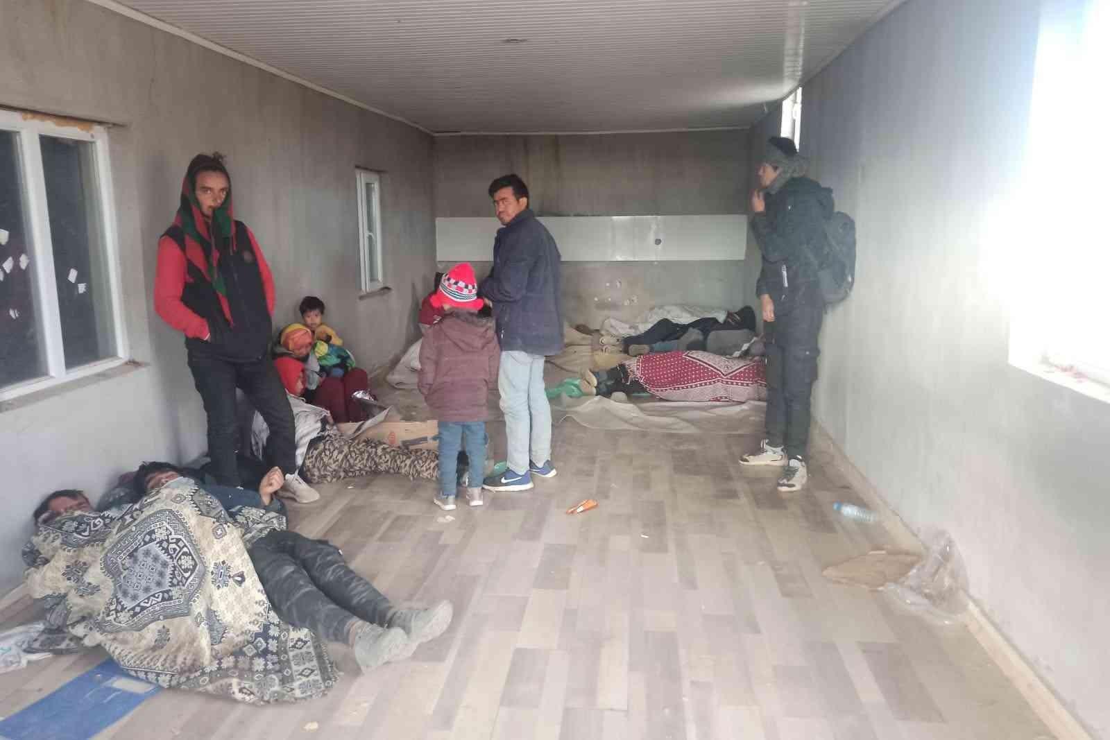 Bitlis'te göçmen kaçakçılığı yapan 6 kişi yakalandı