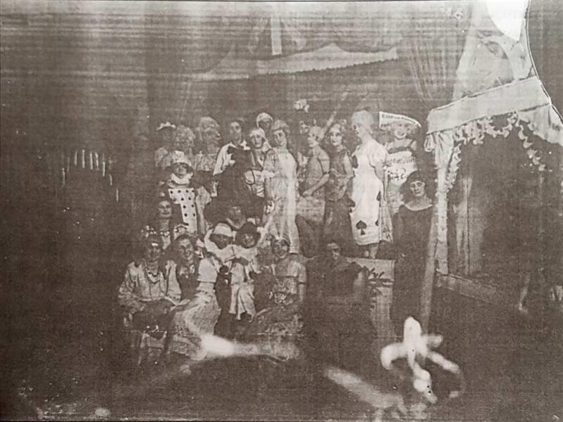 Read more about the article Костимирани забави во Битола во почетокот на 20-ти век