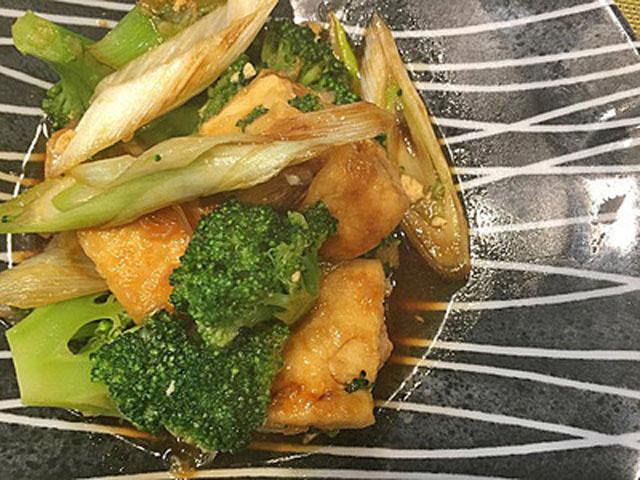 豆腐とブロッコリーのオイスター炒め