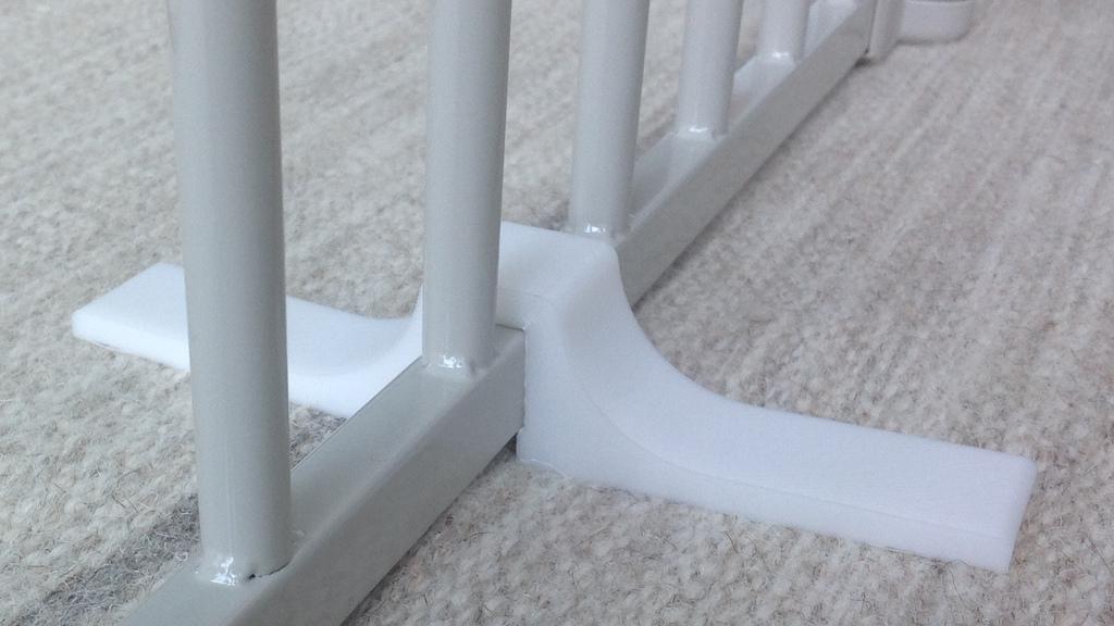 fence-leg1