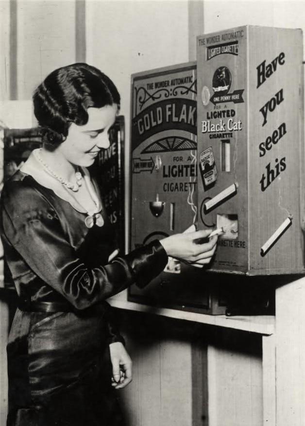 Lighted cigarette dispenser