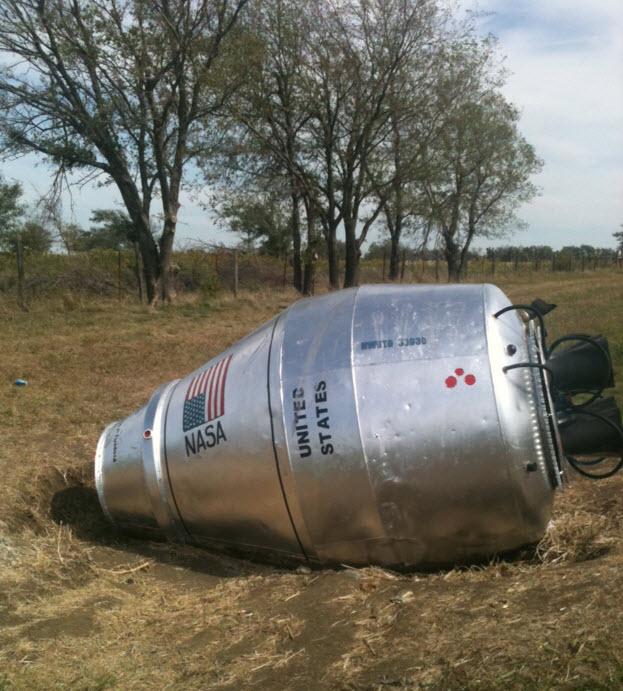 Cement mixer capsule