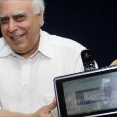 India presenta un prototipo de Tablet PC de $35