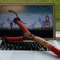 Contruye tu resortera USB para jugar Angry Birds
