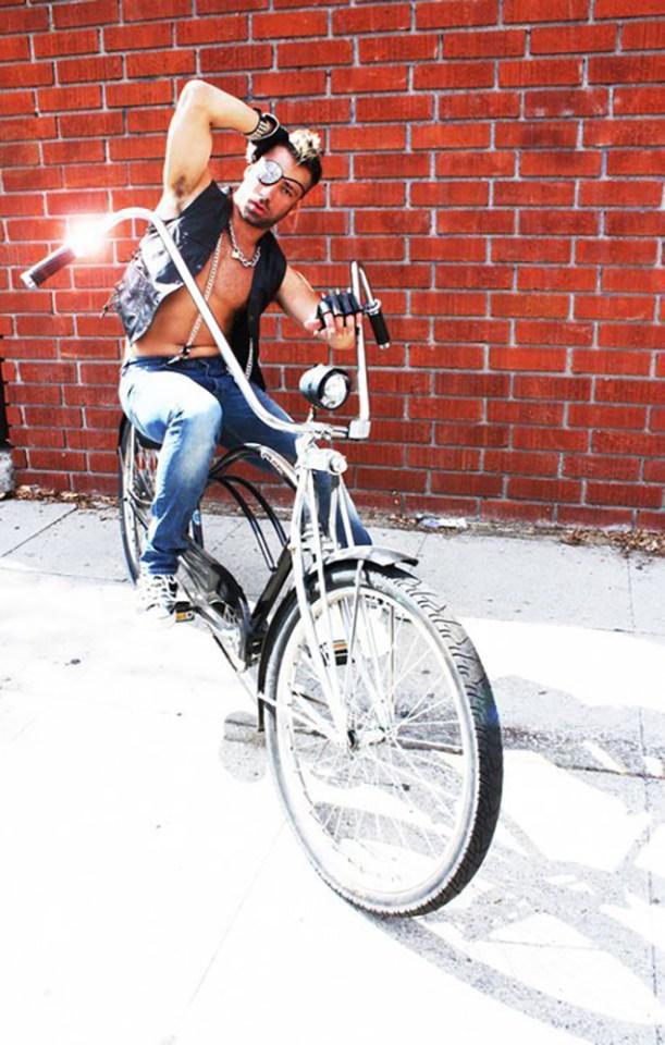 Leopold Nunan lança single na Rebola de carnaval