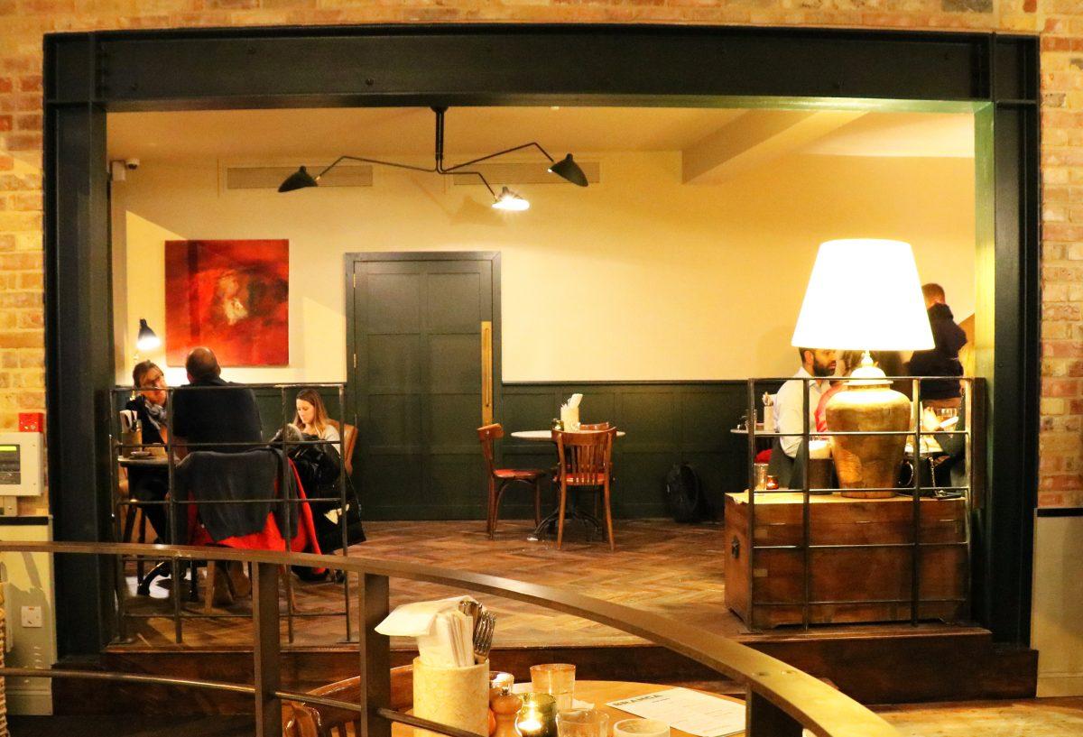 Branca Oxford - Bar