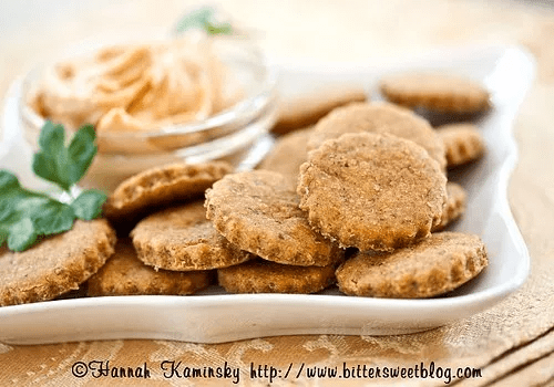 Smoky, Spicy Cheese Crackers