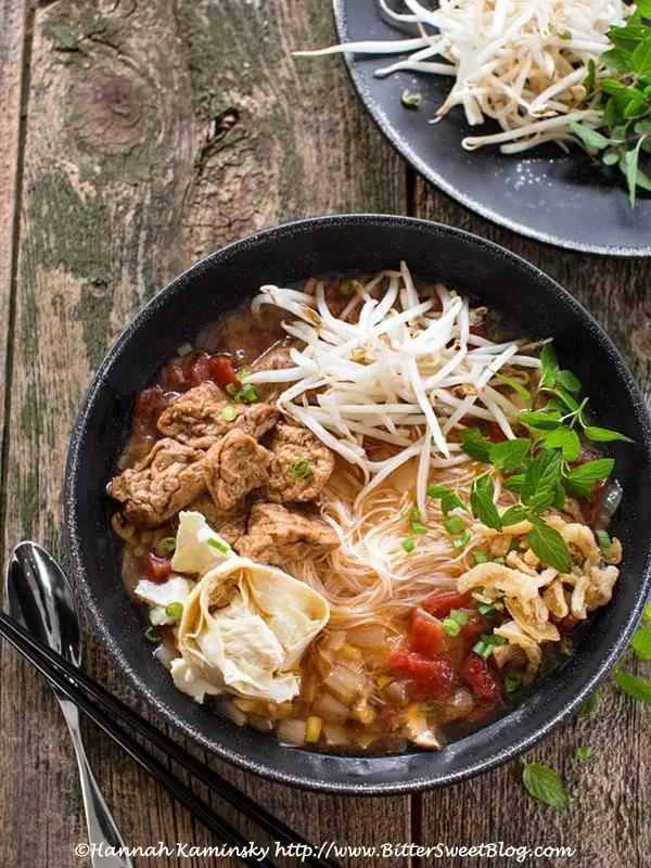 Bún Riêu Chay (Vegetarian Vietnamese Crab Soup)