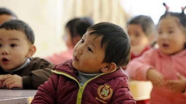 Kindergarten children in Tibet. From Weibo.