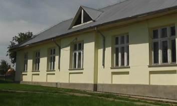Bani pentru modernizarea unei şcoli din Cristeşti