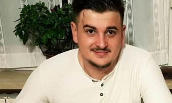 Tanarul care a fost injunghiat la o terasa din Pascani, a murit in aceasta dimineata