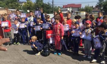 Concurs de karting la Pașcani. Trei copii pascaneni pe podium