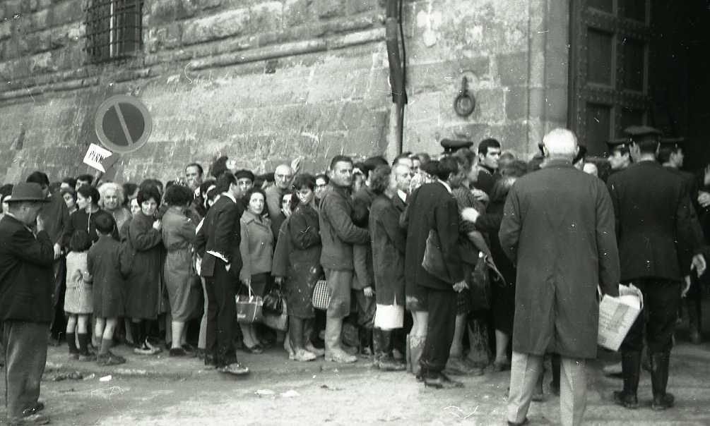 1966-11 fila