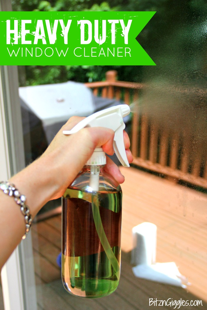 Heavy Duty Homemade Window Cleaner - a 3-ingredient window cleaner perfect for dirty outdoor windows and glass surfaces!