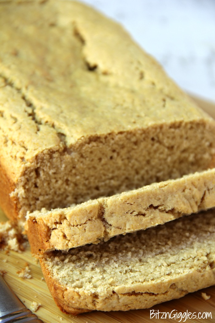 Peanut Butter Bread - Only 6 ingredients and so easy and quick to bake! Goes great with grape jelly, chocolate spread or just plain old peanut butter!