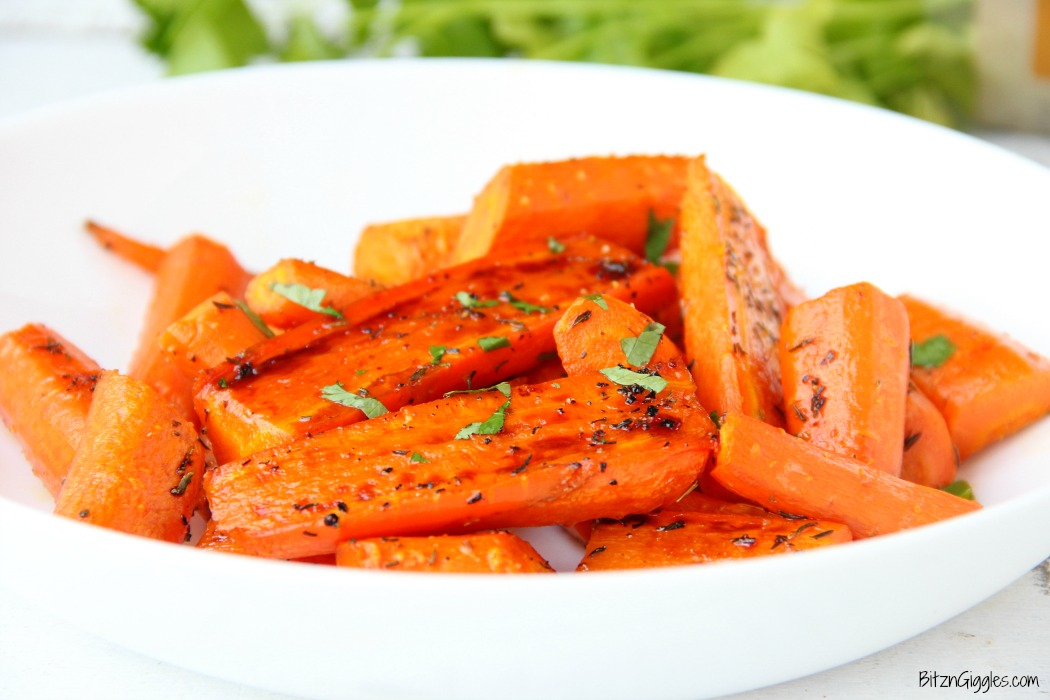 Honey Roasted Carrots - sweet and flavorful carrots roasted to perfection! Such a delicious side to any meal!