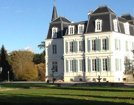 Замъкът на Бабаков близо до Париж