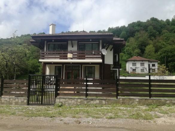 Балдъзата на Иван Драшков построила къща за гости с европейски пари