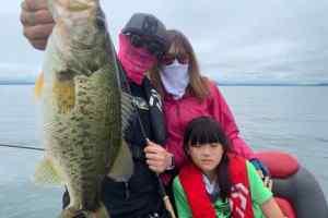 7月18日琵琶湖ガイドはファミリーバスフィッシングでGETNETジャスターフィッシュ3.5と2.5のDSで数釣りモードをエンジョイ!