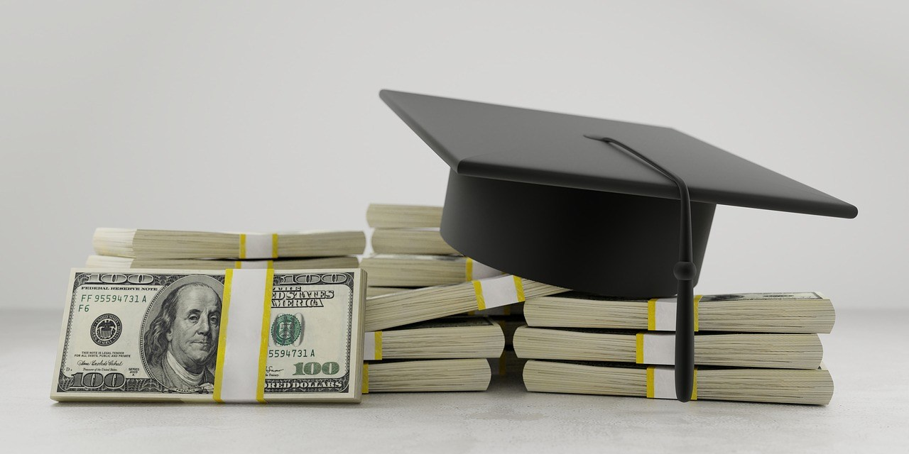 Drowning in Student-Loan Debt? How to Pay it Off in 1 Year