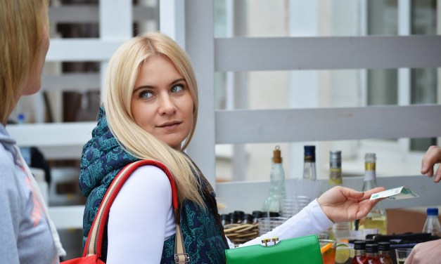 8 Tips to Attract Customers Back to Your Retail Store
