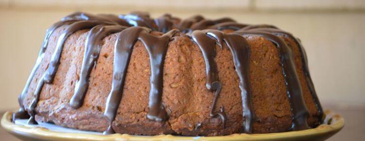 Imagen bizcocho con cobertura de chocolate