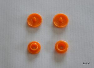 Les pressions en plastique rond pour apprendre comment utiliser la pince KAM