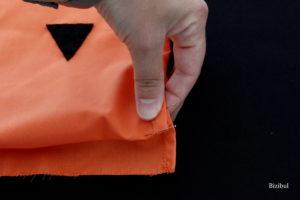 formation de la coulisse du sac : on plie une 2ème fois sur 2 cm
