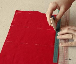 on peut tracer les formes gémotriques simples directement sur le tissu à l'aide d'une équerre et d'une règle