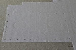 technique de couture, le marquage du tissu à l'aide d'une craie tailleur ou d'un traceur poudre ou d'un feutre