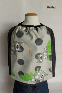 bavoir ou serviette élastique en cours de couture bizibul pour coudre pour les enfants